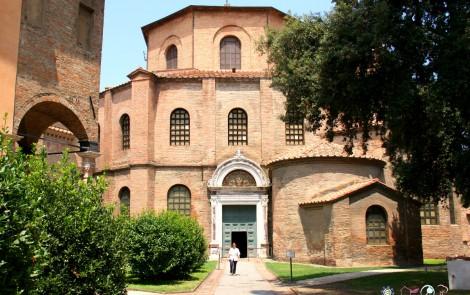 Basilica di San Vitale – Di leggerezza e magico sfavillìo