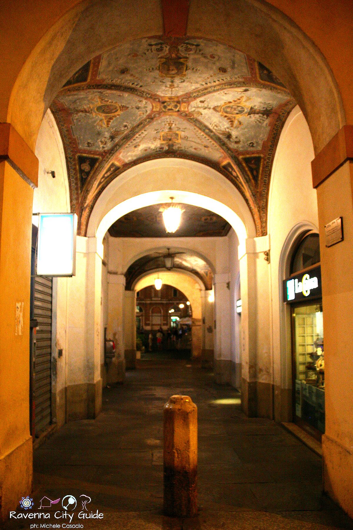 portico piazza del popolo