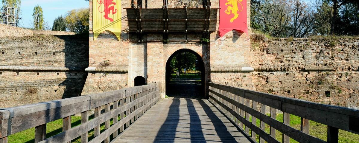 Rocca Brancaleone – Hiding walls, protecting walls…