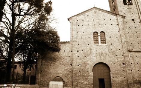 Piazza San Francesco – Di antichi fasti la piazza vestita, grigia guardava la nuova sua vita