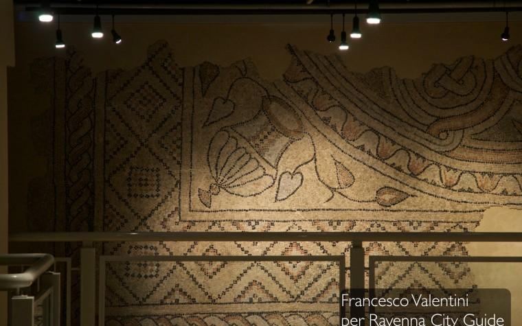 Tra sacro e profano: la più antica chiesa di Ravenna e la Domus dei Tappeti di Pietra